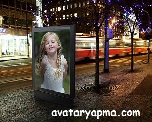 resmini-yoldaki-reklam-tabelasina-koy